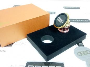 Магнитный держатель телефона в автомобиль AUDI