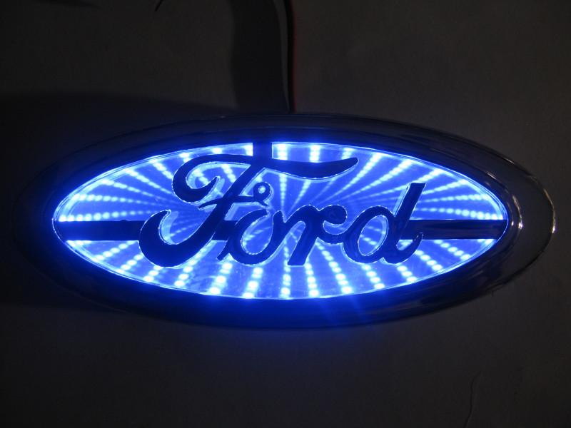 3D логотип Ford