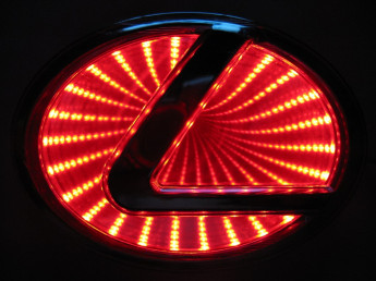 3D логотип Lexus
