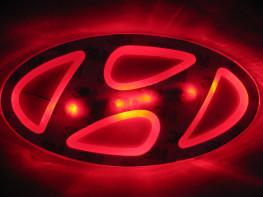 2D-подсветка логотипа Hyundai