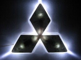 2D-подсветка логотипа Mitsubishi