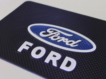 Липкий коврик Форд.