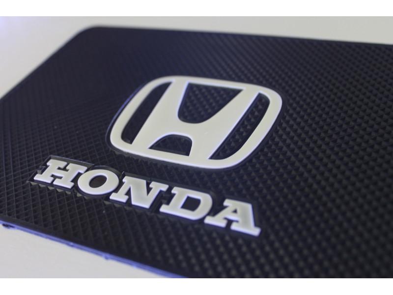 Липкий коврик Хонда.