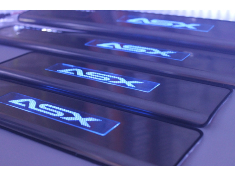 Накладки на пороги из стали с диодной подсветкой Mitsubishi ASX.