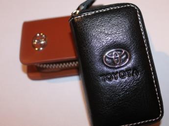 Ключницы с логотипом TOYOTA
