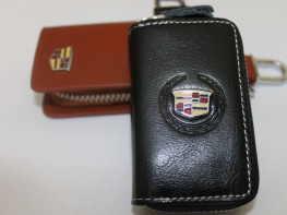 Ключницы с логотипом CADILLAC