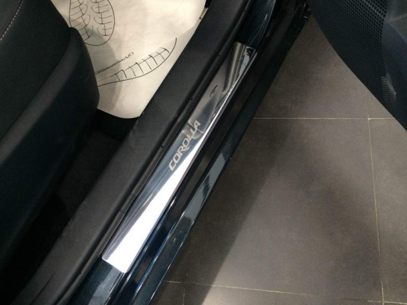 Накладки на пороги из стали Toyota Corolla 2016-2019