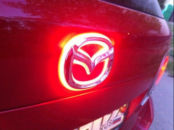 Подсветка логотипа автомобиля