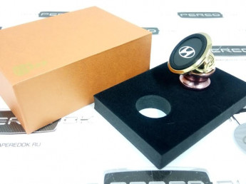 Магнитный держатель телефона в автомобиль HYUNDAI