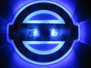 2D-подсветка логотипа Nissan