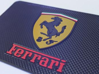 Липкий коврик Ферари.