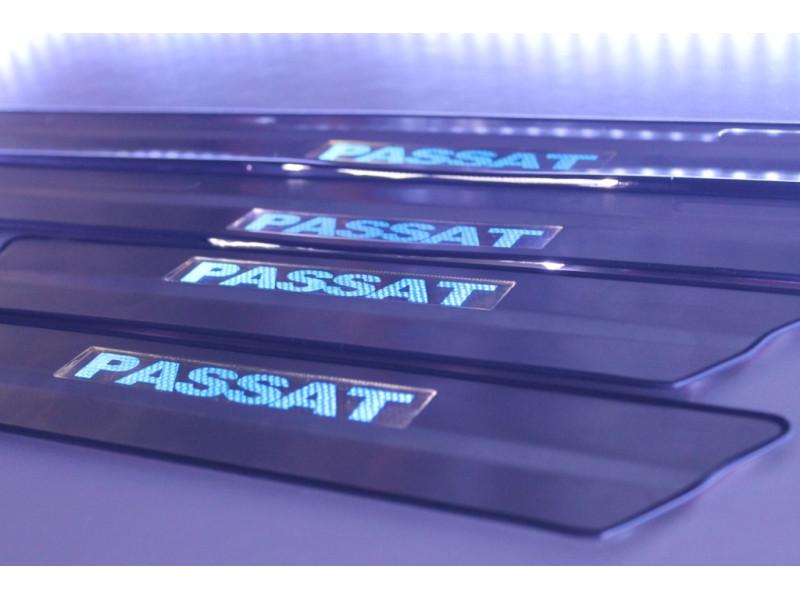 Накладки на пороги из стали с диодной подсветкой Volkswagen Passat