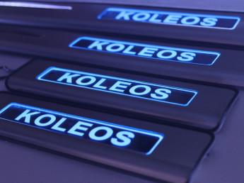 Накладки на пороги из стали с диодной подсветкой Renault Koleos