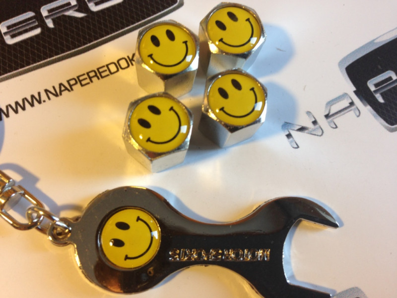 Колпачки на ниппель с логотипом SMILE